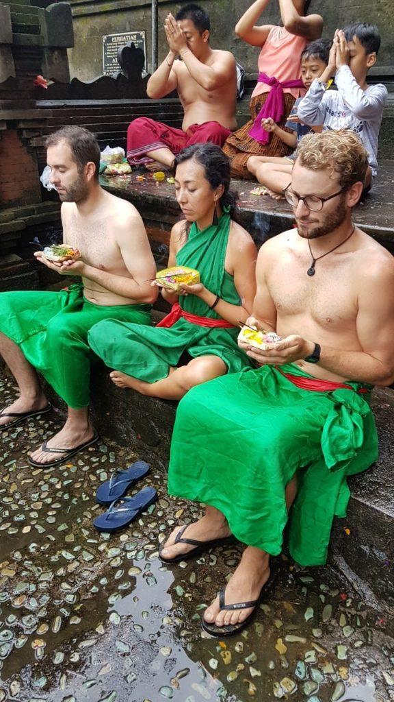 Ritual Tirta Empul Ubud