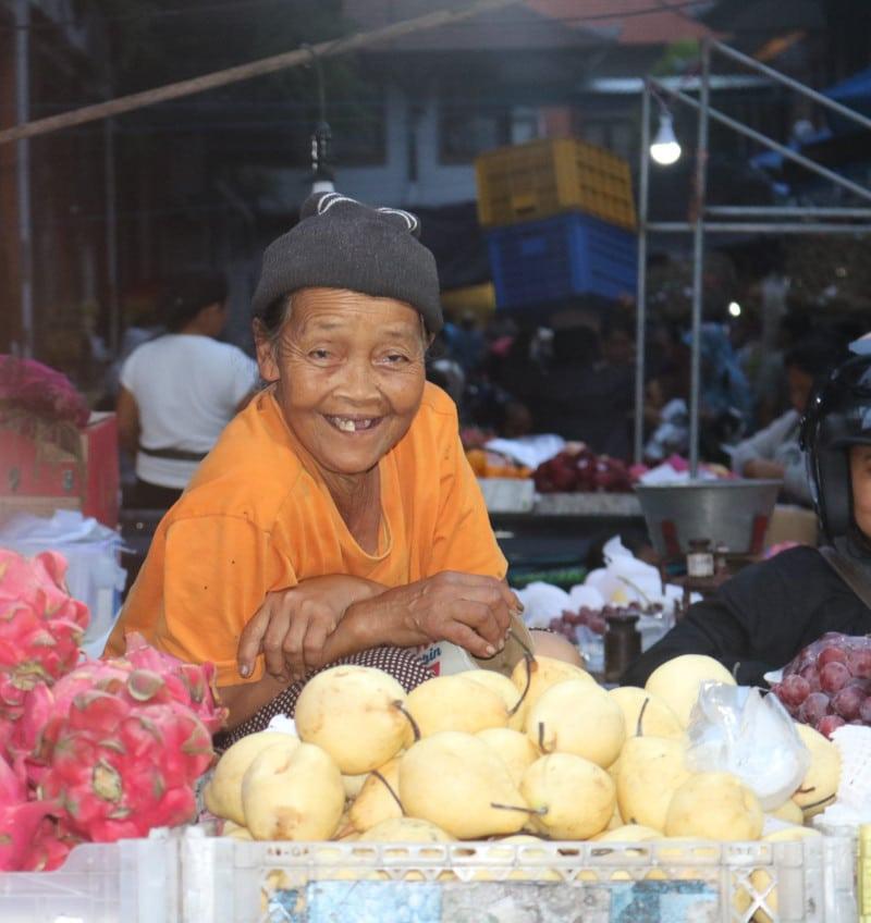 Mujer mercado Ubud